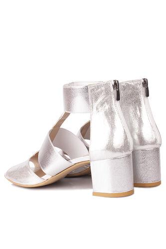 Loggalin - Loggalin 111212 771 Kadın Gümüş Topuklu Büyük & Küçük Numara Sandalet (1)