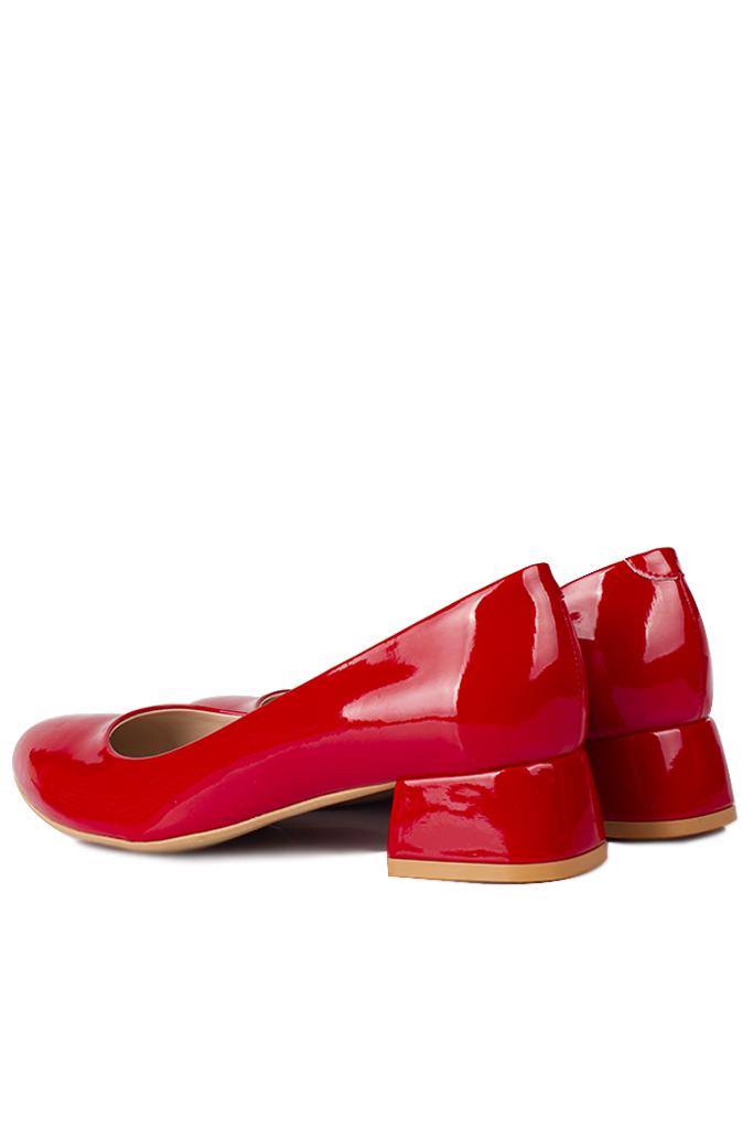 Loggalin 111301 520 Kadın Kırmızı Rugan Büyük & Küçük Numara Ayakkabı