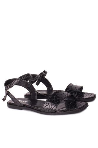 Loggalin - Loggalin 111602 066 Kadın Siyah Kroko Büyük & Küçük Numara Sandalet (1)