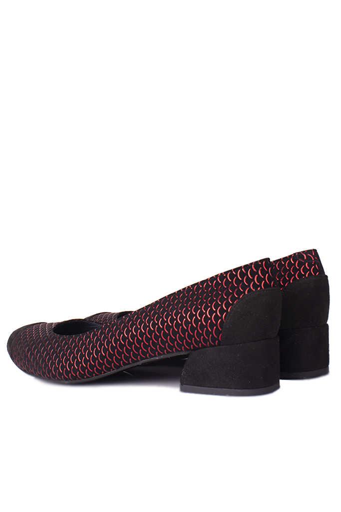 Loggalin 112303 055 Kadın Siyah Kırmızı Büyük & Küçük Numara Ayakkabı